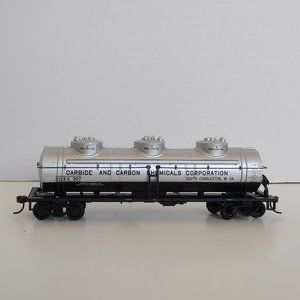 *3/$20* Bachmann HO Model train 3-dome tank car,